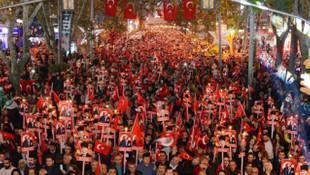 İki partiden 29 Ekim'de yürüyüş kararı