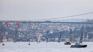 İstanbul Boğazı'nda nefes kesen yat yarışı