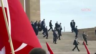 Anıtkabir'de slogan atanlar kim çıktı