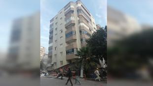 11 katlı binanın 3 katı çöktü! Çok sayıda kişi enkaz altında