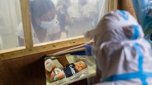 Salgında bebek sahibi olacak ailelere ikramiye verilecek