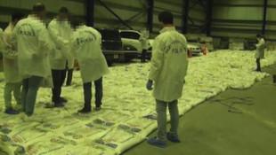 Kolombiya'dan gelen gemide 228 kilo kokain ele geçirildi