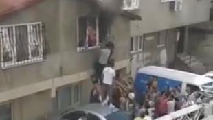 Yangında can pazarı! Anne ve çocukları böyle kurtarıldı
