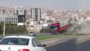Ankara'da freni boşalan kamyon dehşet saçtı