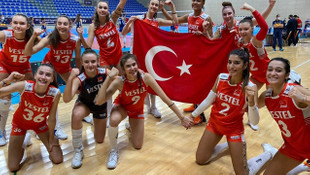 17 Yaş Altı Kız Voleybol Milli Takımımız Avrupa ikincisi oldu