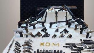 Silah kaçakçılarına büyük darbe! 3 ilde operasyon