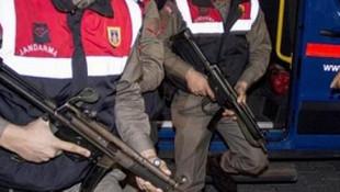 2 terörist patlamaya hazır bombayla yakalandı