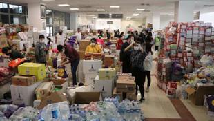 Türkiye İzmir için tek yürek! Buz pisti yardımlarla doldu taştı