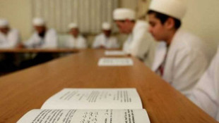 Kur'an kurslarında yüz yüze eğitime devam!
