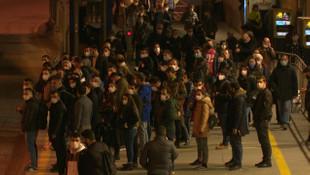 Zincirlikuyu metrobüs durağında korkutan kalabalık