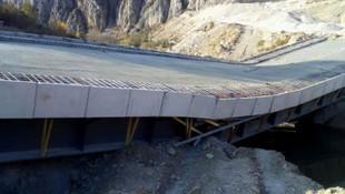 3,4 milyon TL'lik köprü açılmadan yıkıldı!