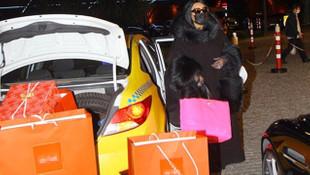 Bülent Ersoy'un 6 saatlik alışverişi taksiye sığmadı!