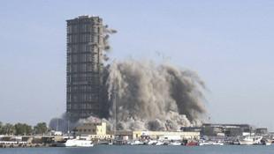 144 katlı binanın yıkılma anı kamerada!
