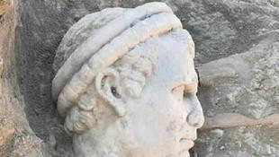 Laodikya'da 2 bin yıllık rahip başı bulundu