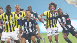 Beşiktaş, Fenerbahçe'yi bir kez daha Kadıköy'de 10 kişi yendi!