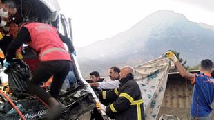 Siirt-Bitlis yolunda korkunç kaza! 4 ölü, 14 yaralı