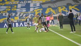 Saraçoğlu'nda müthiş derbi! 7 gol, 1 kırmızı kart