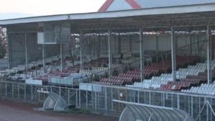 10 futbolcuda korona çıktı, tesisler kapatıldı