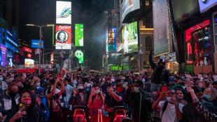 ABD seçimlerinin ardından halk sokaklara döküldü