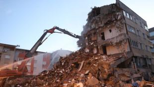 Bakan Kurum, İzmir'de ağır hasar gören bina sayısını açıkladı