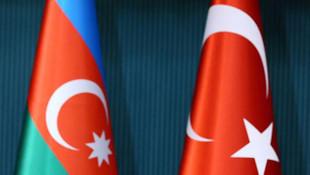 Bakan Çavuşoğlu duyurdu: Azerbaycan ile vizeler kalkıyor