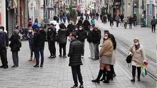 Taksim Meydanı ve İstiklal Caddesi turistlere kaldı