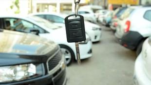 İkinci el araç piyasası tamamen durdu! Yeni yılda fiyatlar yükselecek mi?