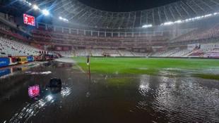 Fraport TAV Antalyaspor - Atakaş Hatayspor maçı ertelendi!