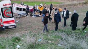 Sağlık personellerini taşıyan araç devrildi: 1 ölü, 12 yaralı