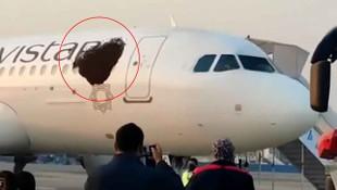 Korkunç görüntü! Yolcu uçağını istila ettiler