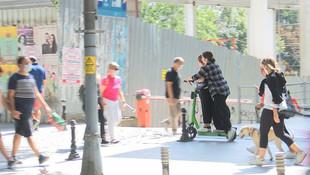 Artık e-scooter'a iki kişi binen ceza ödeyecek!