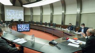 Kılıçdaroğlu ''üniversiteli işsiz gençlerle'' bir araya geldi