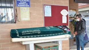 Koronavirüsten ve kalp krizinden ölen kadınların cenazeleri karıştı!