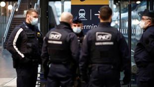 Fransa'da 100 bin polis ve jandarma göreve hazır