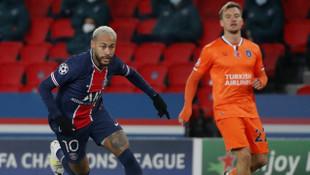 Irkçılık nedeniyle ertelenen maçta Başakşehir PSG'ye 5-1 mağlup oldu