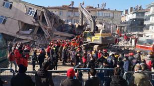 Deprem bölgesinde okulların açılışı yeniden ertelendi
