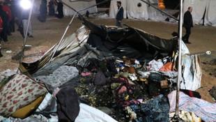 Elazığ'da deprem çadırında yangın!
