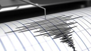 Manisa'da 5.2 büyüklüğünde deprem !
