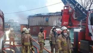 İstanbul'da korkutan fabrika yangını