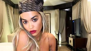 Rita Ora'dan cesur pozlar