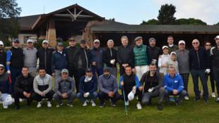 Golfçüler depremzedeler için sahaya çıktı