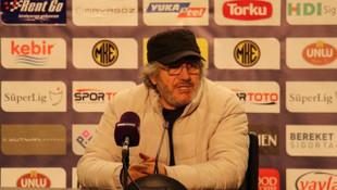 Mustafa Reşit Akçay: Asla teslim olmamalıyız
