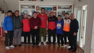 Taha Akgül'e milli takım hocalarından moral ziyareti