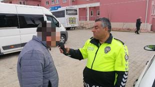 Okul servisi sürücüsü alkollü çıktı, polis direksiyona geçti