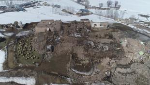 Van'da deprem bölgesi havadan görüntülendi