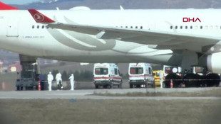 Havalimanında Koronavirüs alarmı ! Acil iniş yaptı