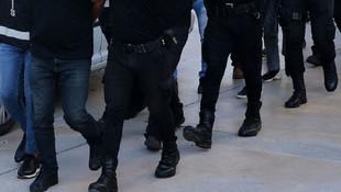 Adana'da uyuşturucu baskını! 15 gözaltı var...