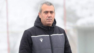 Kemal Özdeş'i futbolcuları istifadan vazgeçirdi