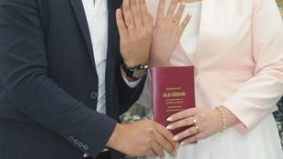 TÜİK: Evlilikler azaldı, boşanmalar arttı