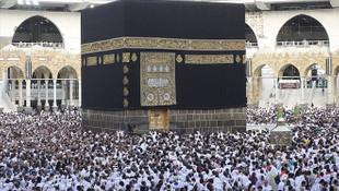 Suudi Arabistan açıkladı: Umre ziyaretleri durduruldu!